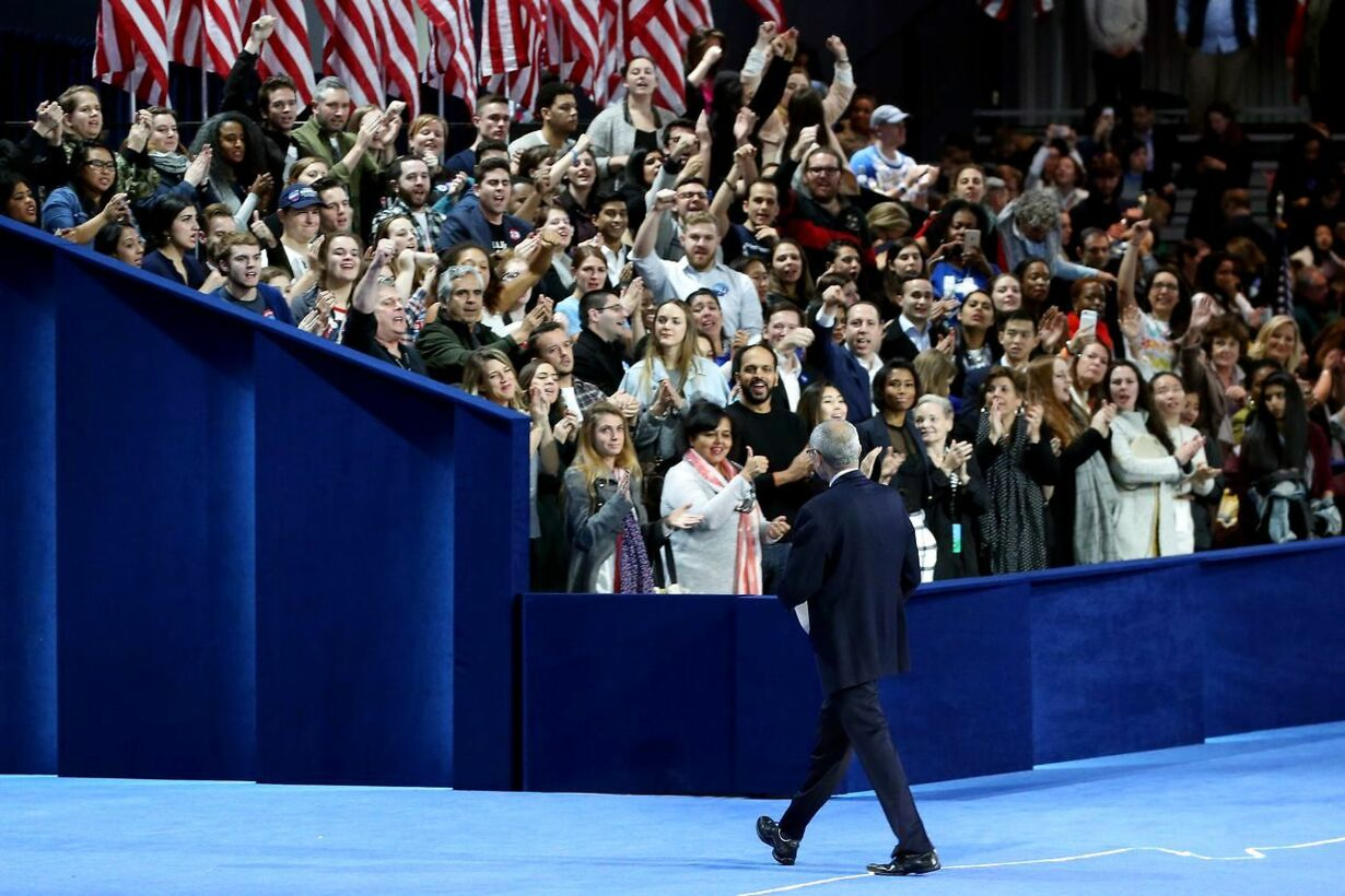 US-DEMOCRATIC-PRESIDENTIAL-NOMINEE-HILLARY-CLINTON-HOLDS-ELECTIO