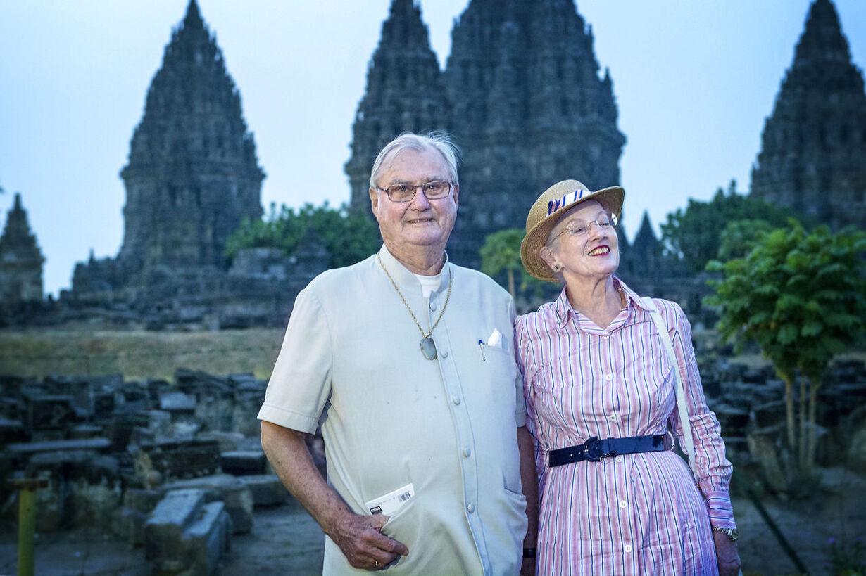 Dronningen: Prins Henrik går på pension Statsbesøg i Indonesi