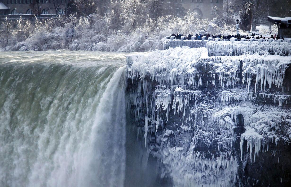 APTOPIX Canada Deep Freeze Niagara Falls