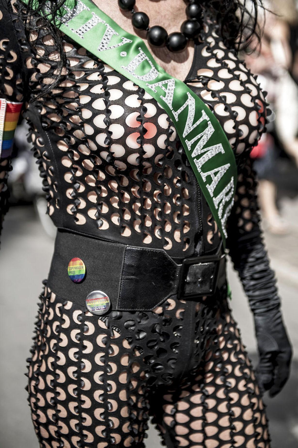 Copenhagen Pride Parade går i sort