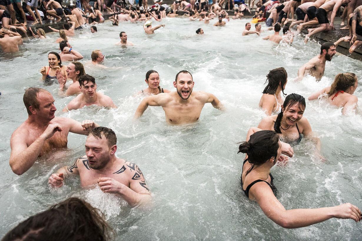 Billedserie Vintebadning