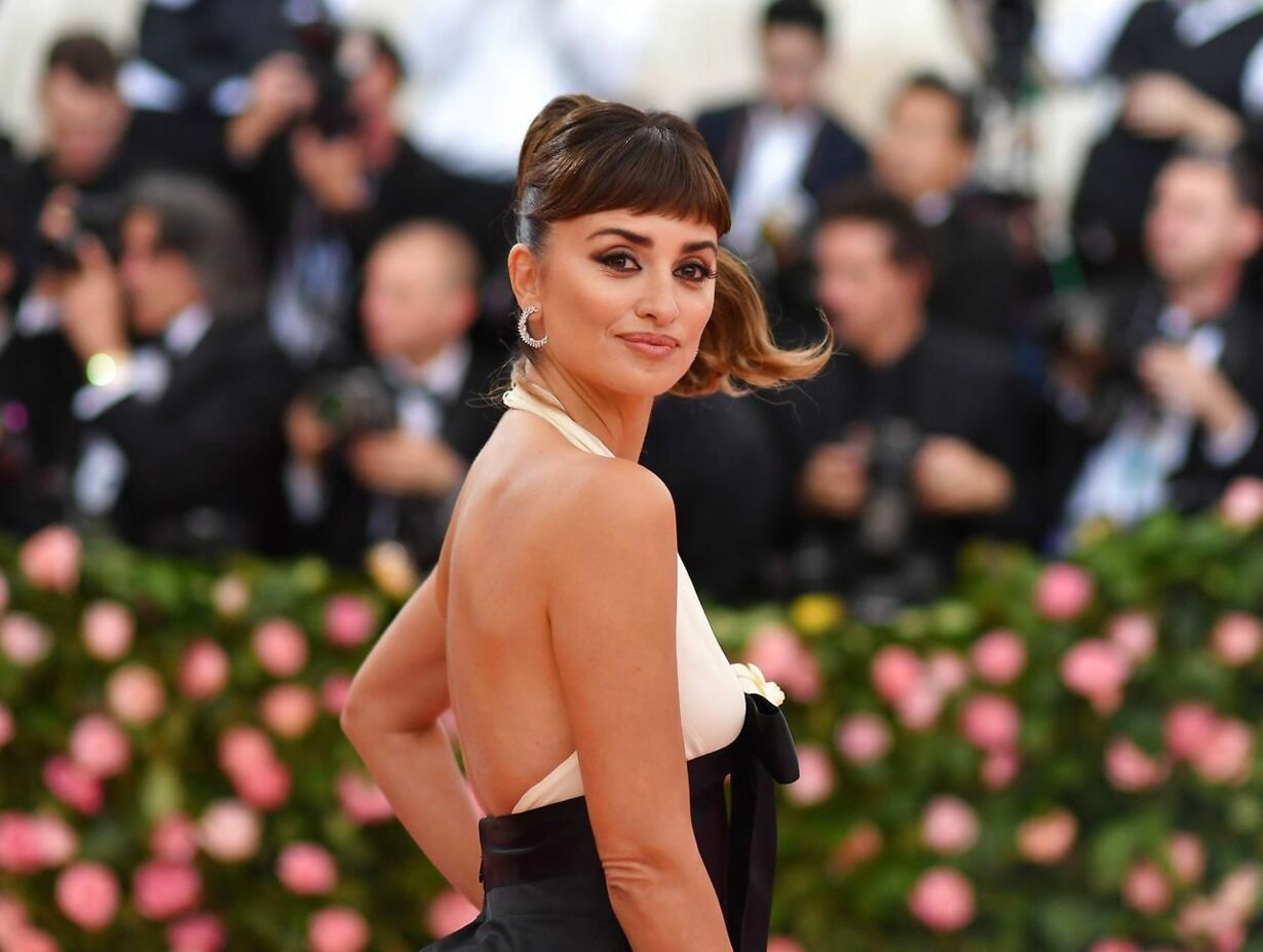 TOPSHOT-US-ENTERTAINMENT-FASHION-METGALA-CELEBRITY-MUSEUM-PEOPLE
