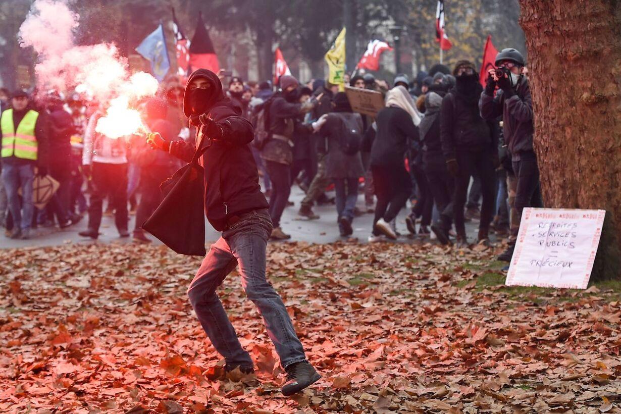 FRANCE-SOCIAL-STRIKE-DEMO