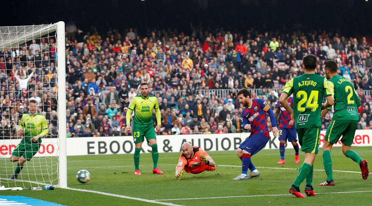 SOCCER-SPAIN-FCB-EIB/REPORT