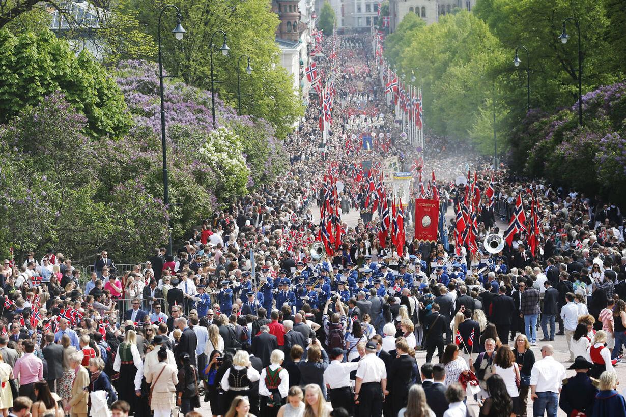 Regentparret fejrer Norge