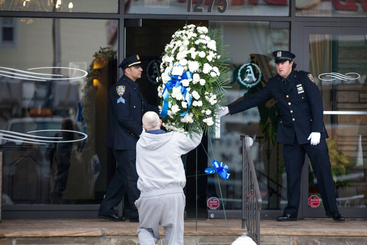 -WAKE-HELD-FOR-SECOND-NY-POLICE-OFFICER-ASSASSINATED-BY-GUNMAN