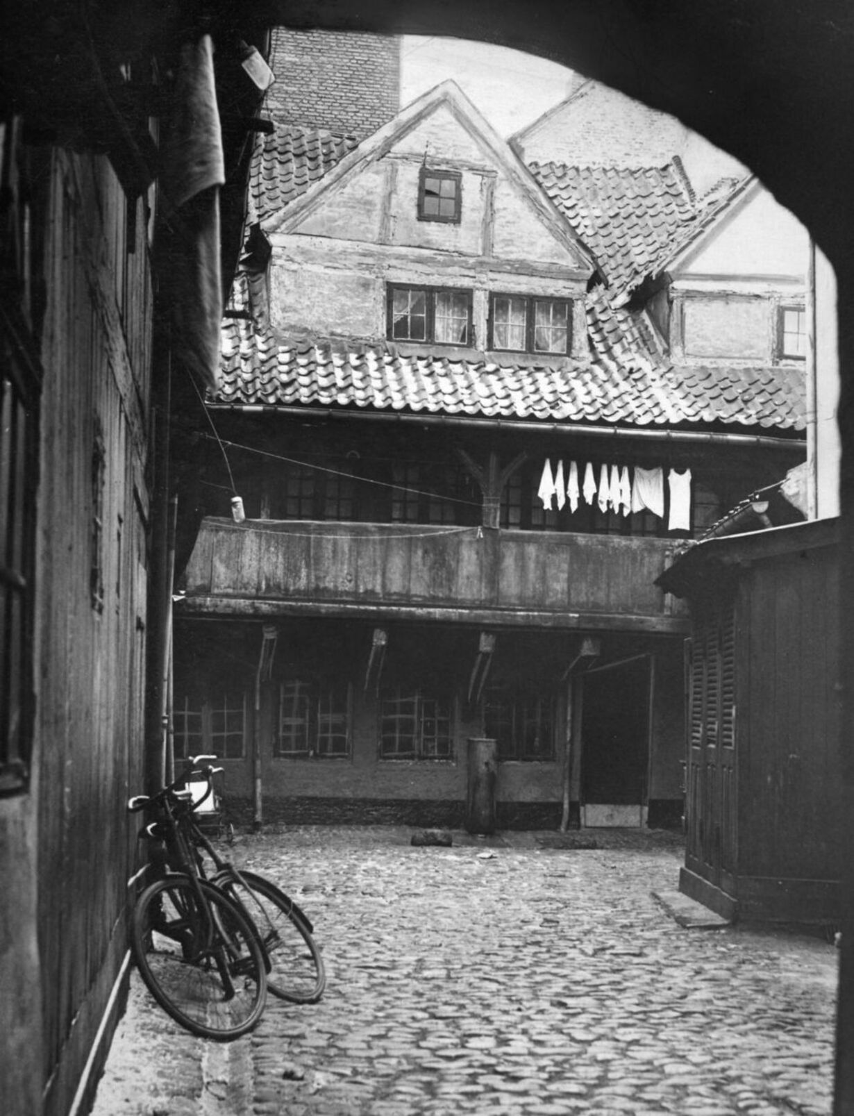 1941 slum 2