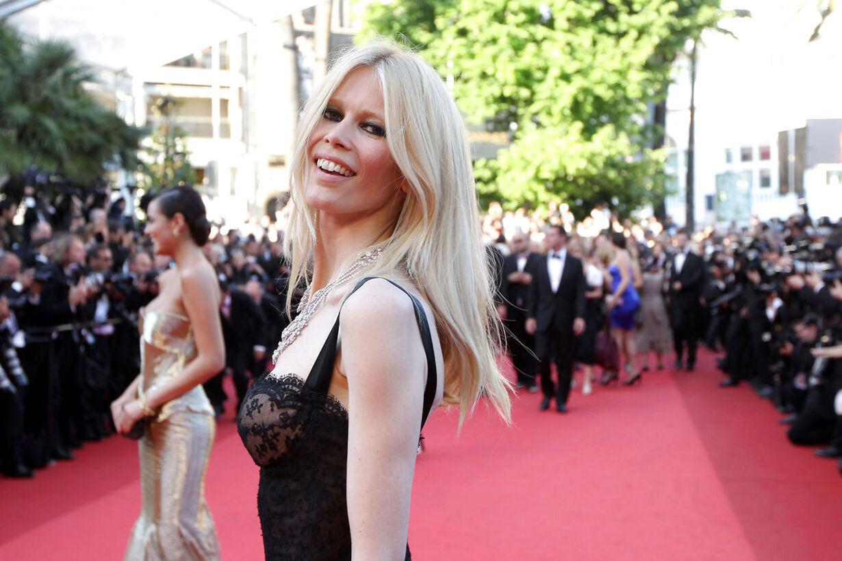 Fra teenageidol til tysk stolthed: Claudia Schiffer fylder 45