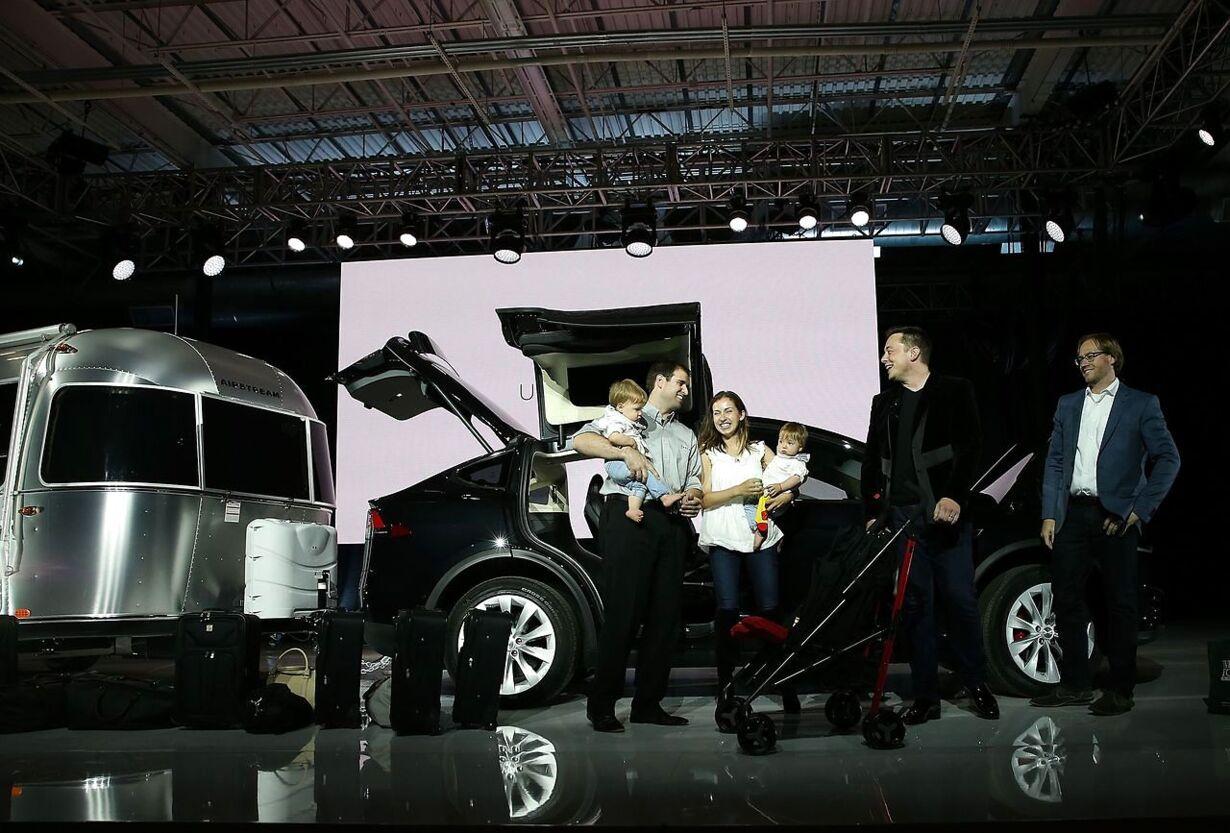 US-TESLA-DEBUTS-ITS-NEW-CROSSOVER-SUV-MODEL, -TESLA-X