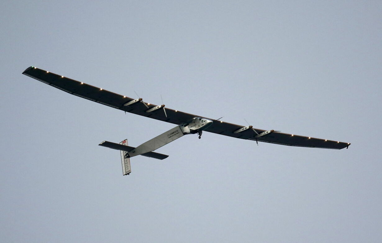 SOLAR-AIRPLANE/USA
