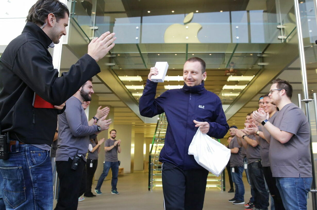 GERMANY IPHONE 6S LAUNCH