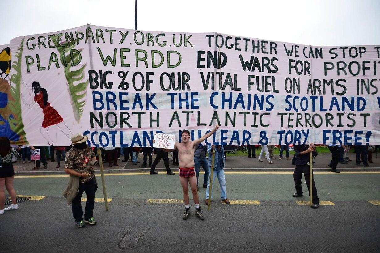 TOPSHOTS-BRITAIN-NATO-SUMMIT