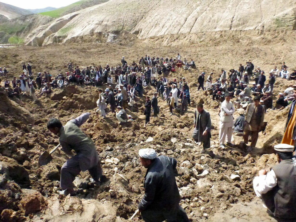 epaselect AFGHANISTAN LANDSLIDE AFTERMATH
