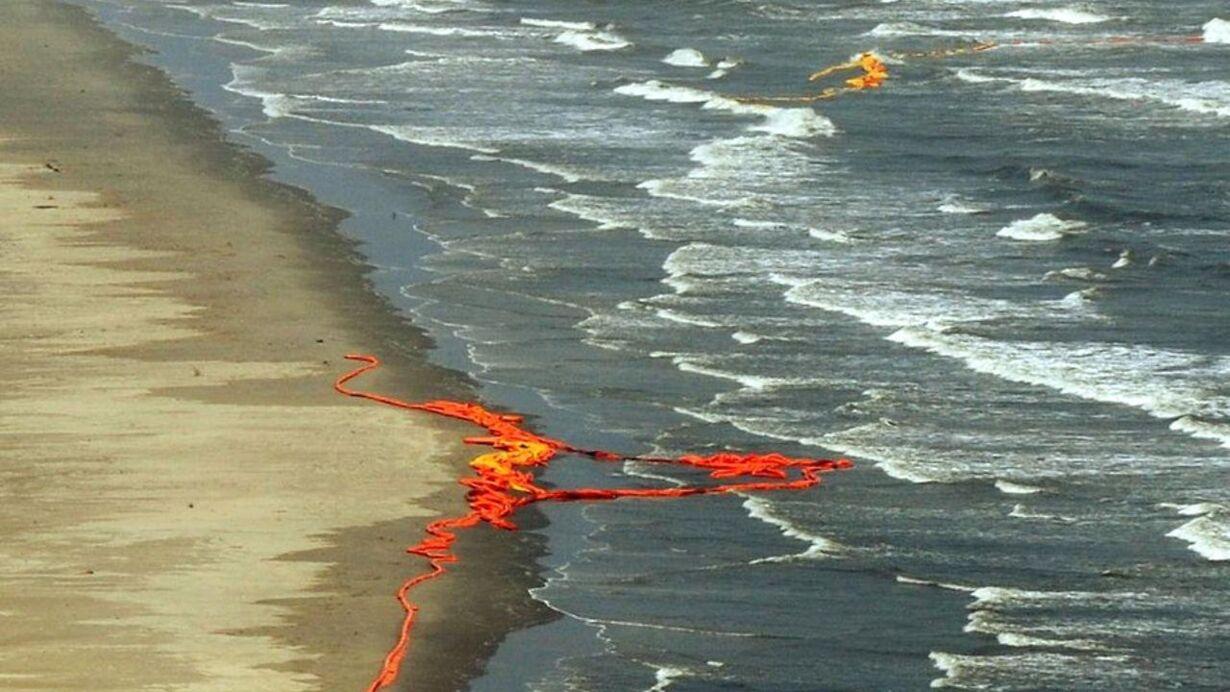 US-BLAST-OIL-ENERGY-POLLUTION-FILES