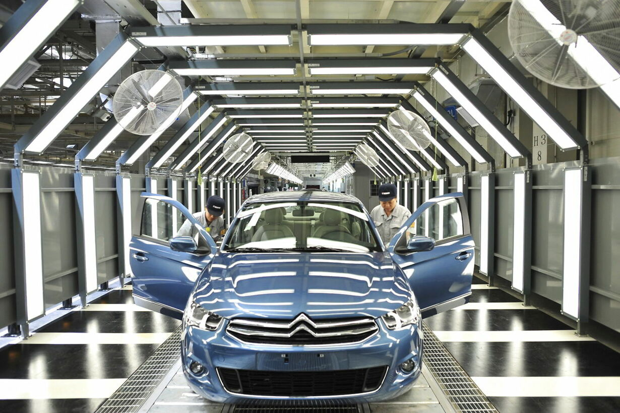CHINA DPCA'S NEW CAR PLANT