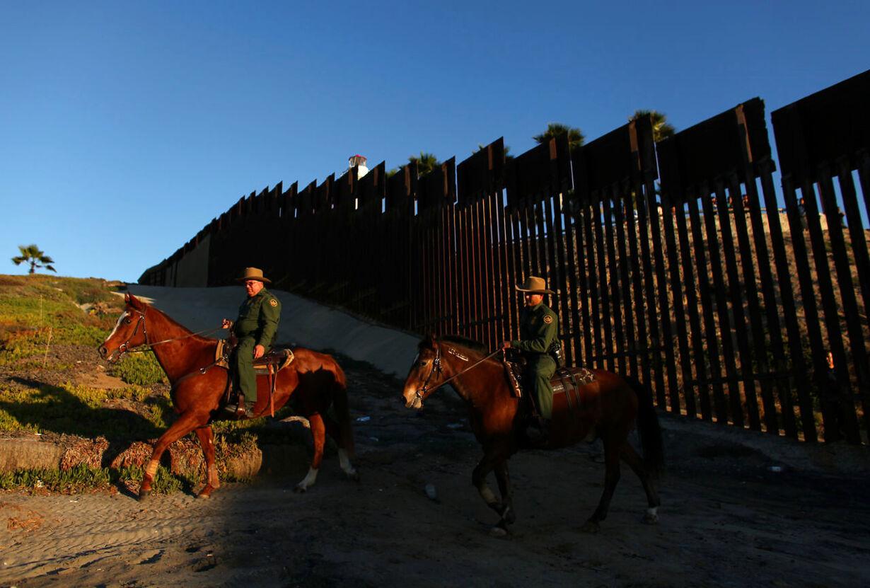 Sådan ser grænsen mellem USA og Mexico ud i dag