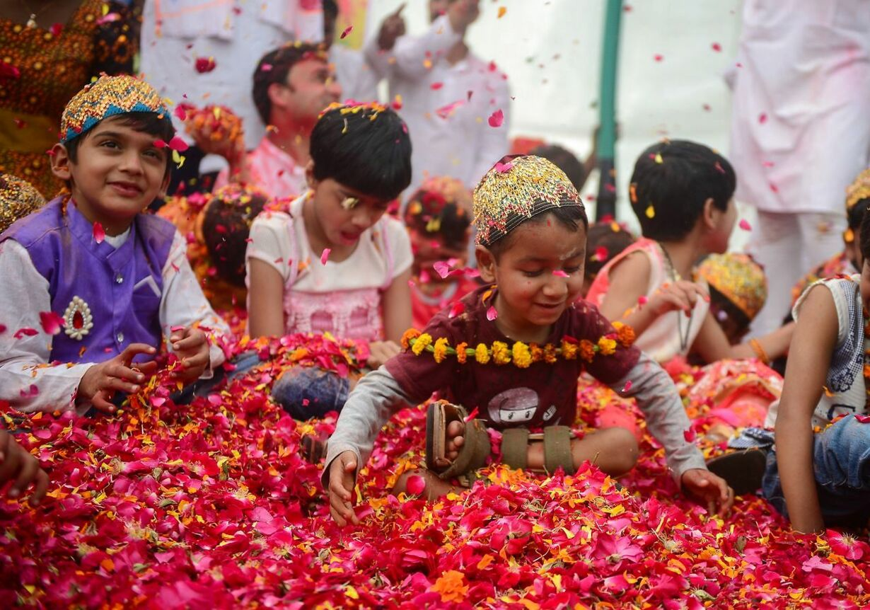 INDIA-RELIGION-HINDUISM-HOLI-HEALTH-CHILDREN
