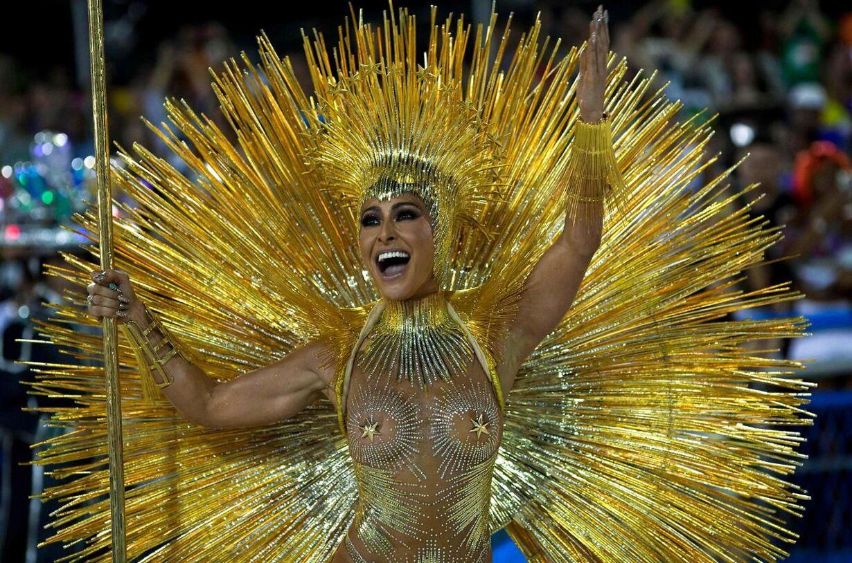 TOPSHOT-BRAZIL-RIO-CARNIVAL-VILA ISABEL