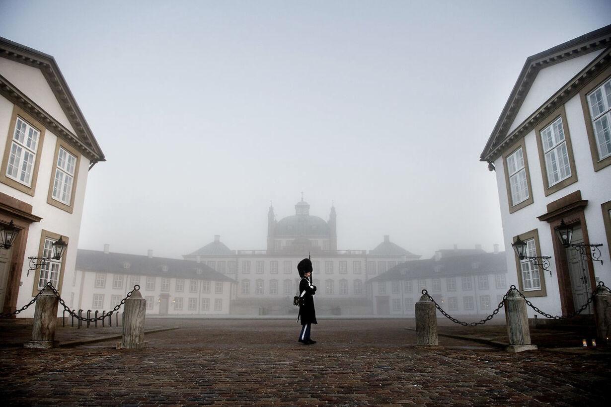 Prins Henrik er død - reaktioner ved Fredensborg Slot