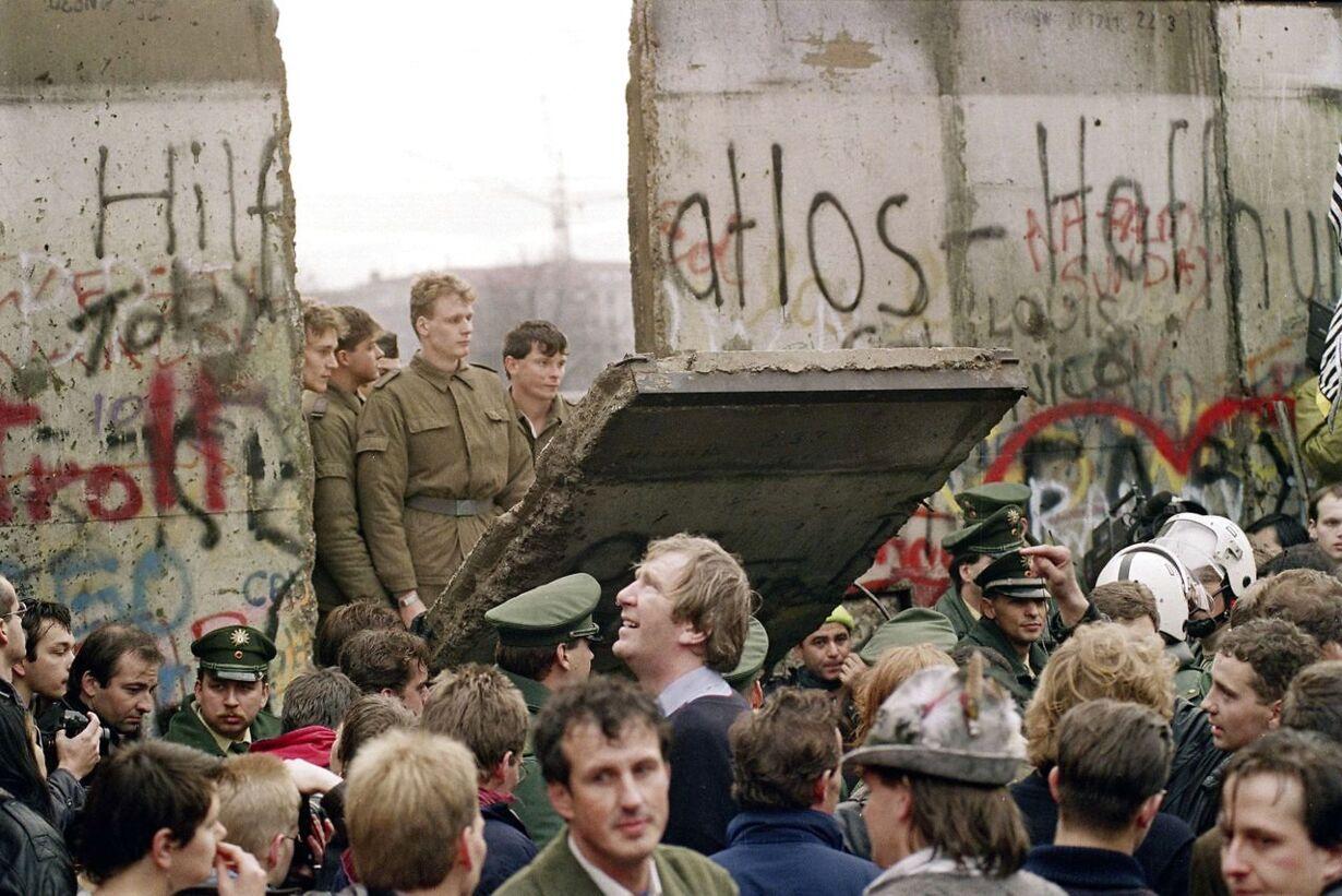 GERMANY-HISTORY-WALL-25YEARS-FILES