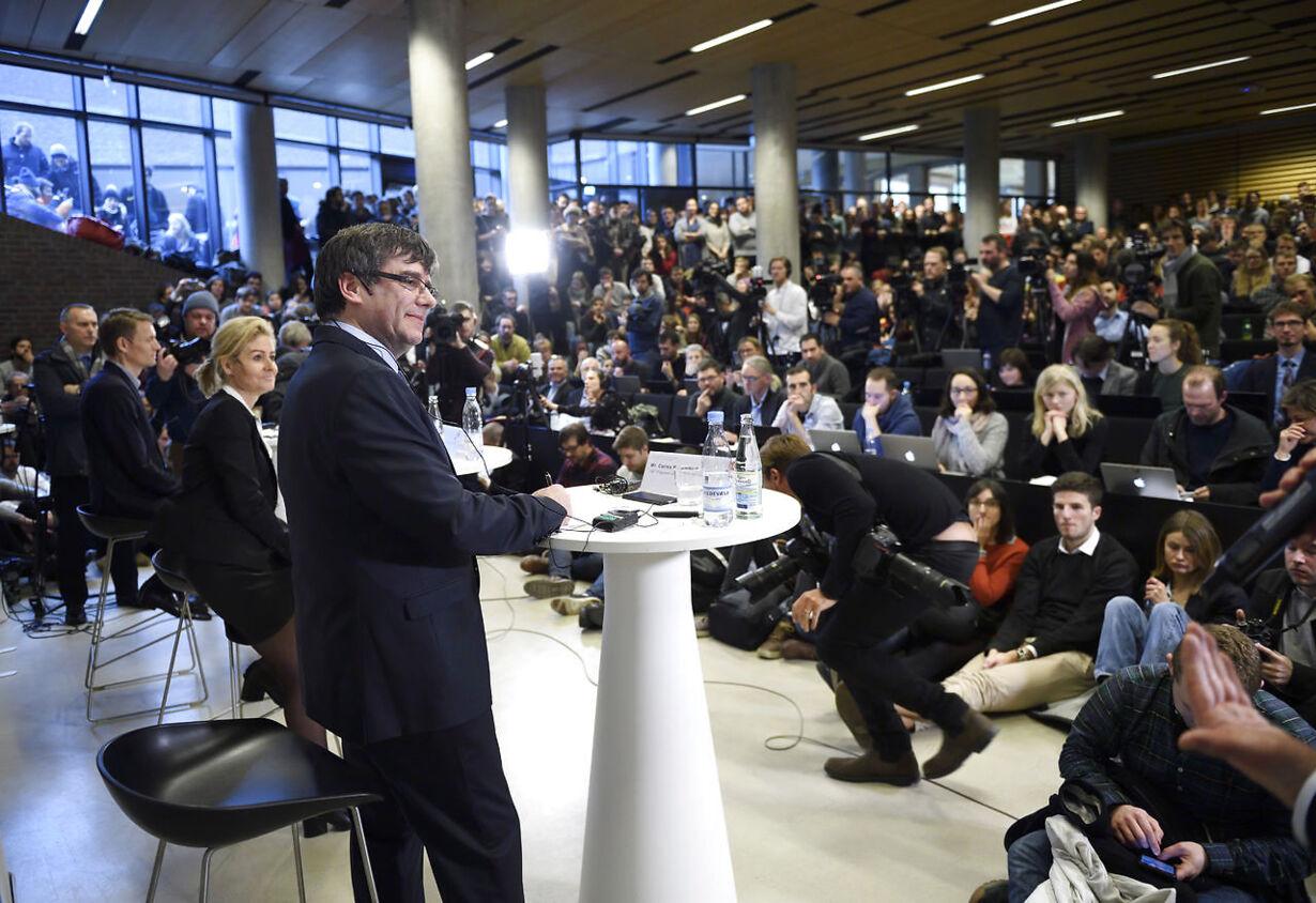 Cataloniens præsident Carles Puigdemont deltager i debat på K