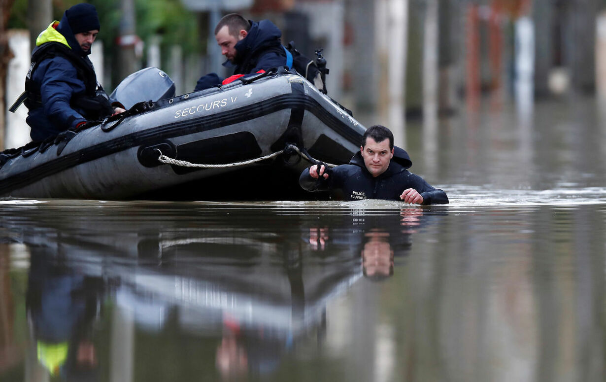 jeve FRANCE-WEATHER/FLOODS