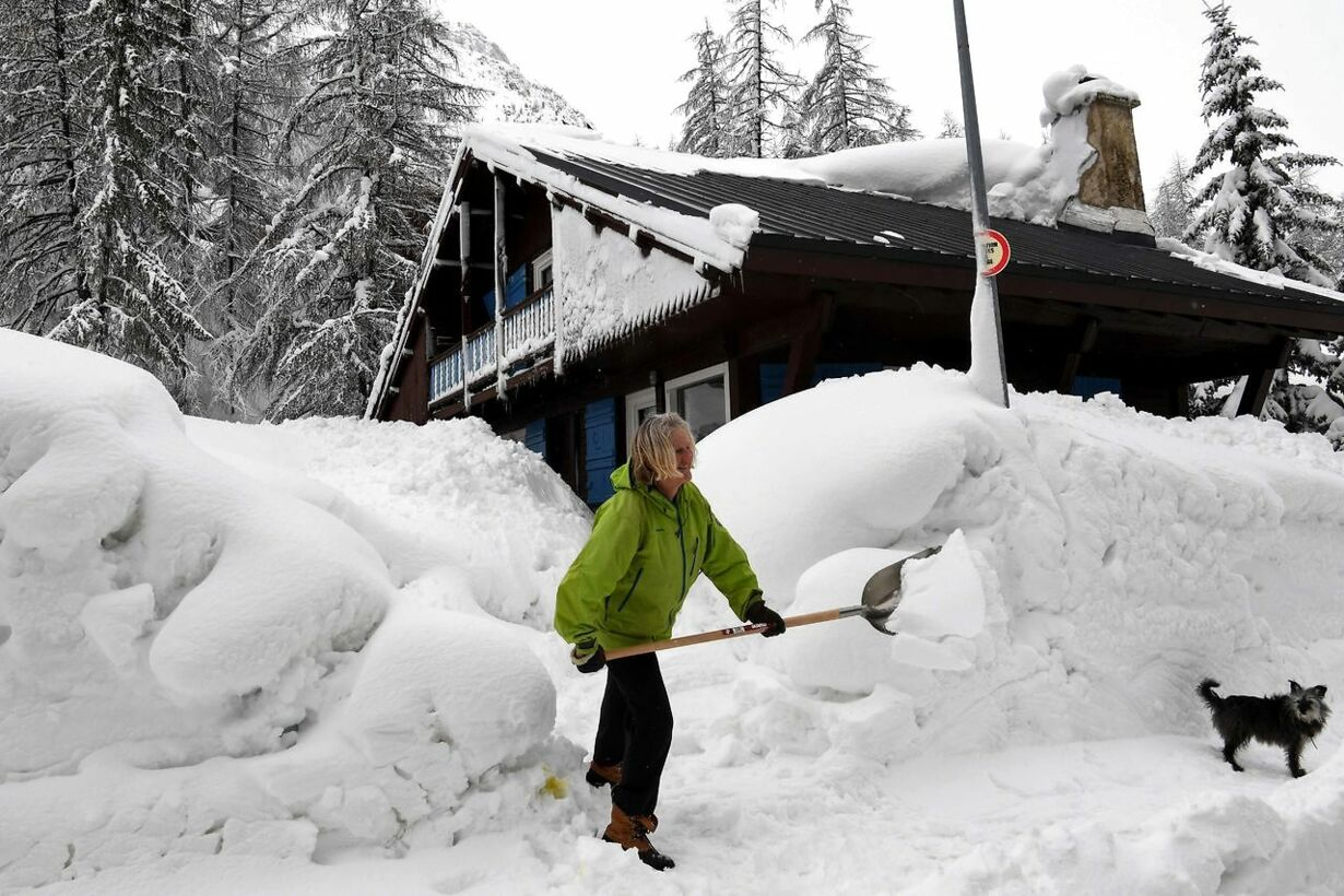 FRANCE-WEATHER-AVALANCHE