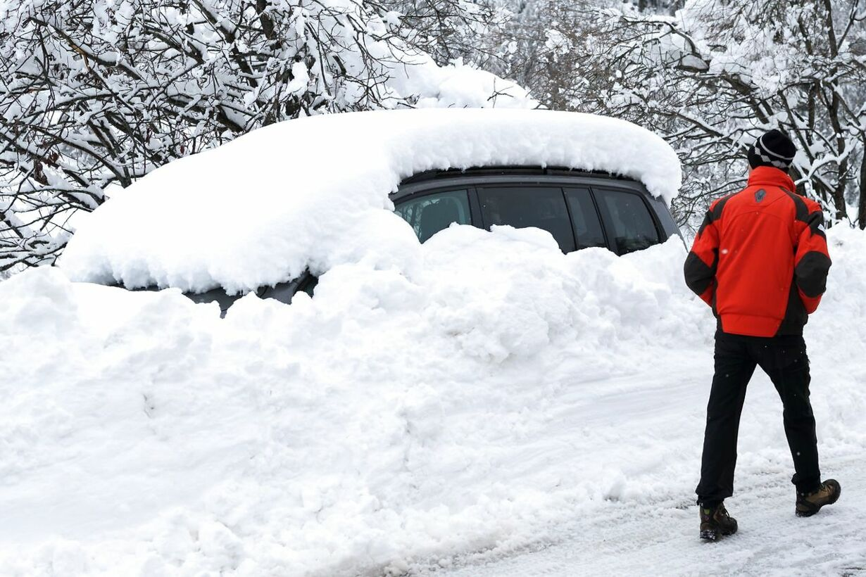 SWITZERLAND-WEATHER-TOURISM-SNOW-AVALANCHE