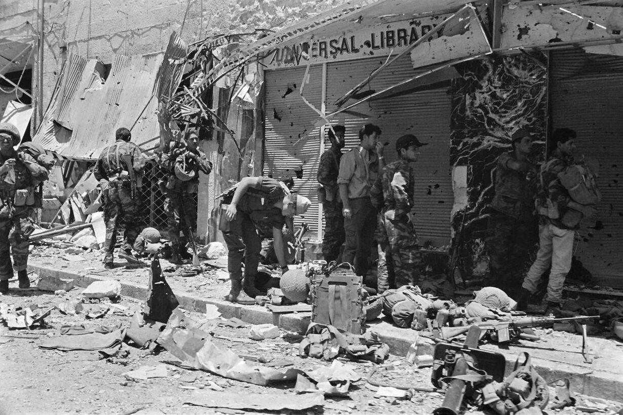 6 dages krigen FILES-ISRAEL-PALESTINIAN-6DAY WAR-50 YEARS