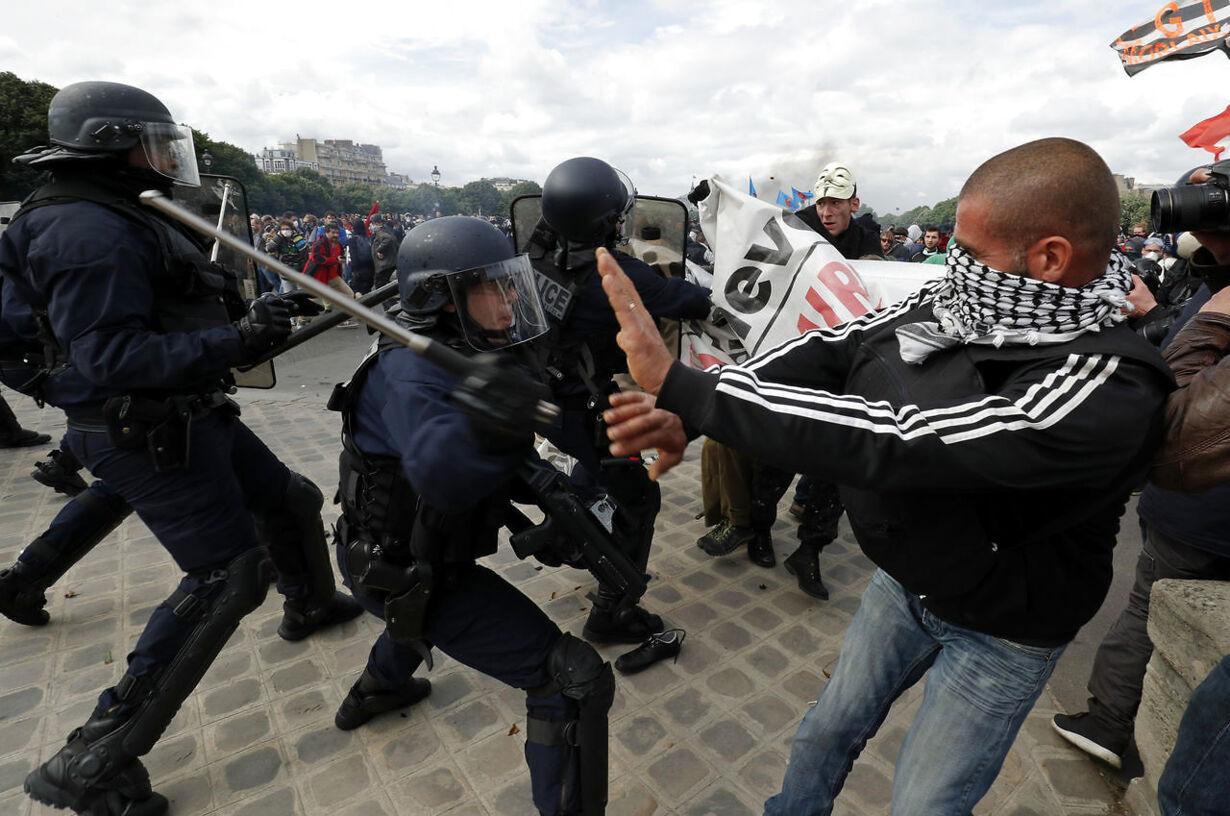 FRANCE-POLITICS/PROTESTS