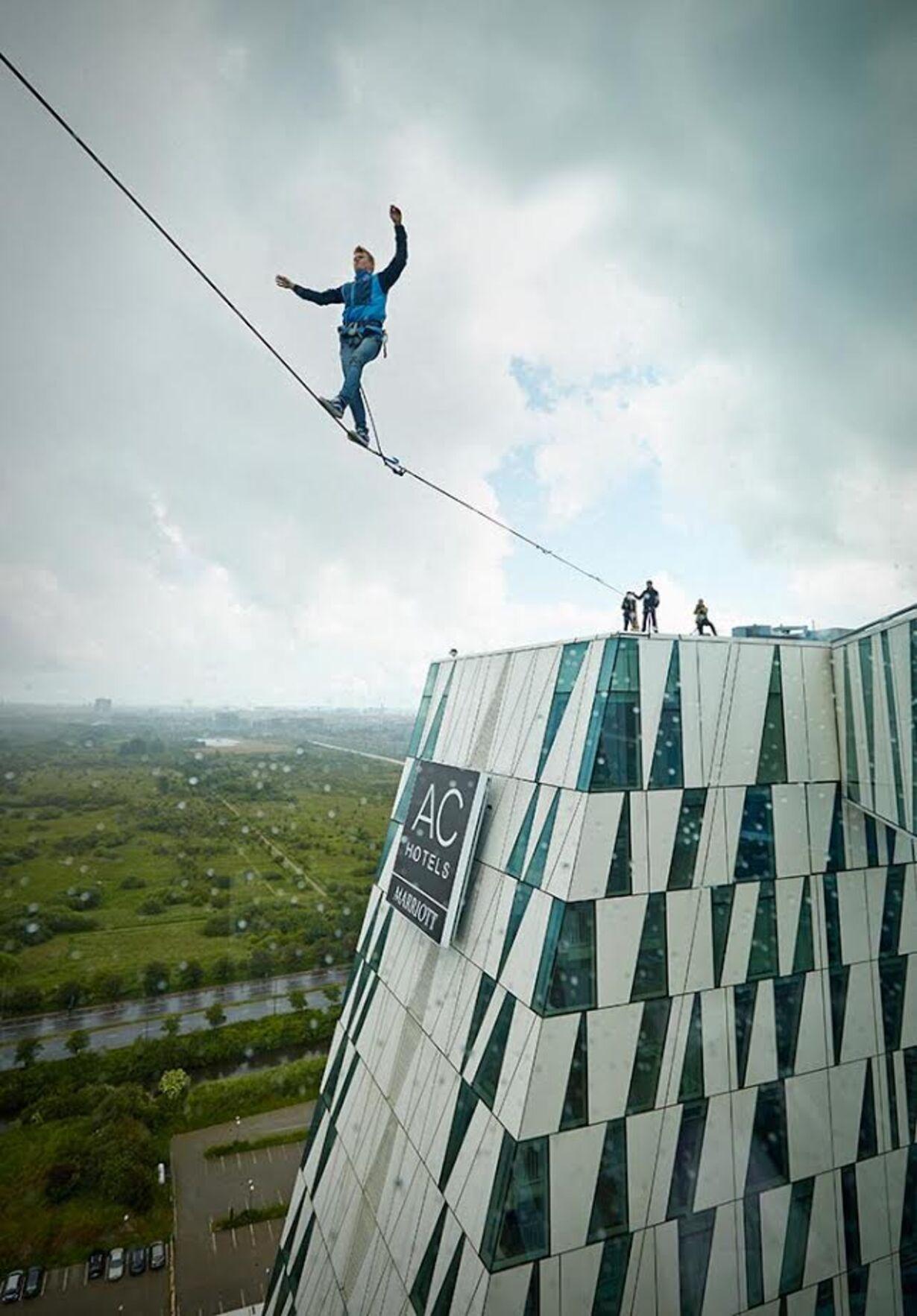 Viljestærke linedansere indtog toppen af AC Hotel Bella Sky Copenhagen