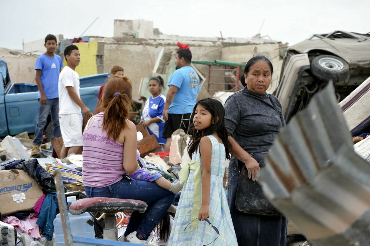 Voldsom tornado dræber 13 i Mexico - se billederne