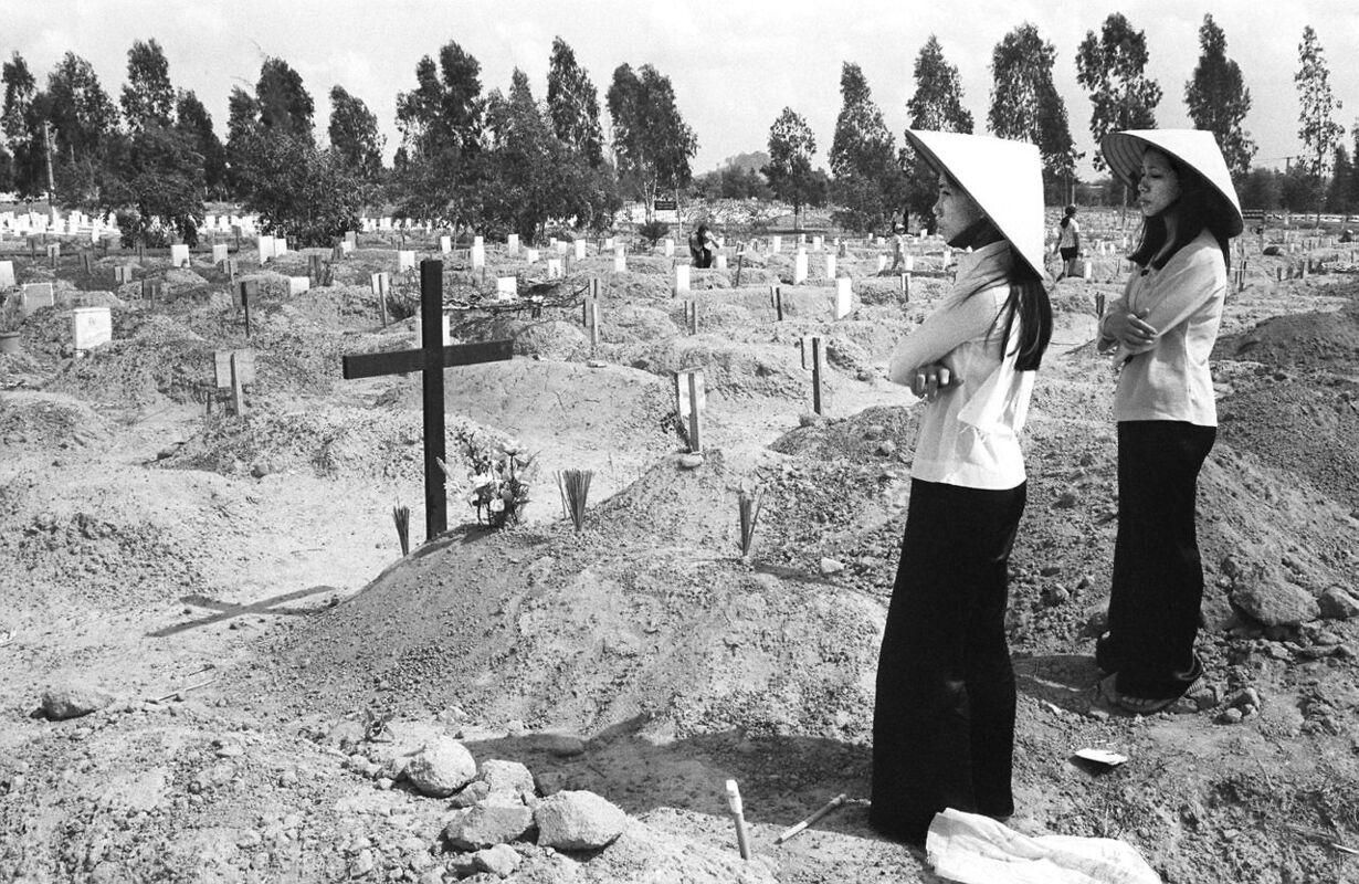 VIETNAM-WAR-CEMETERY