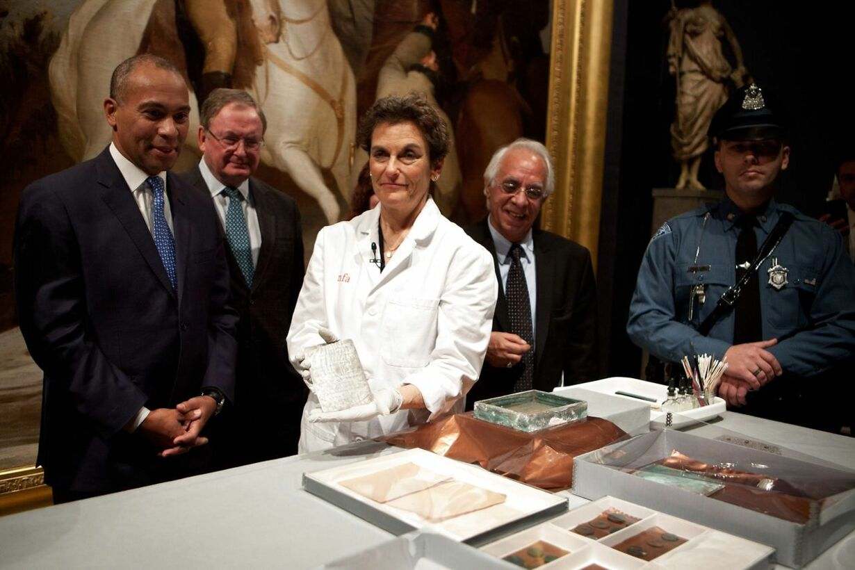 US-TIME-CAPSULE-FROM-1795-FOUND-IN-MASSACHUSETTS-STATEHOUSE-UNVE