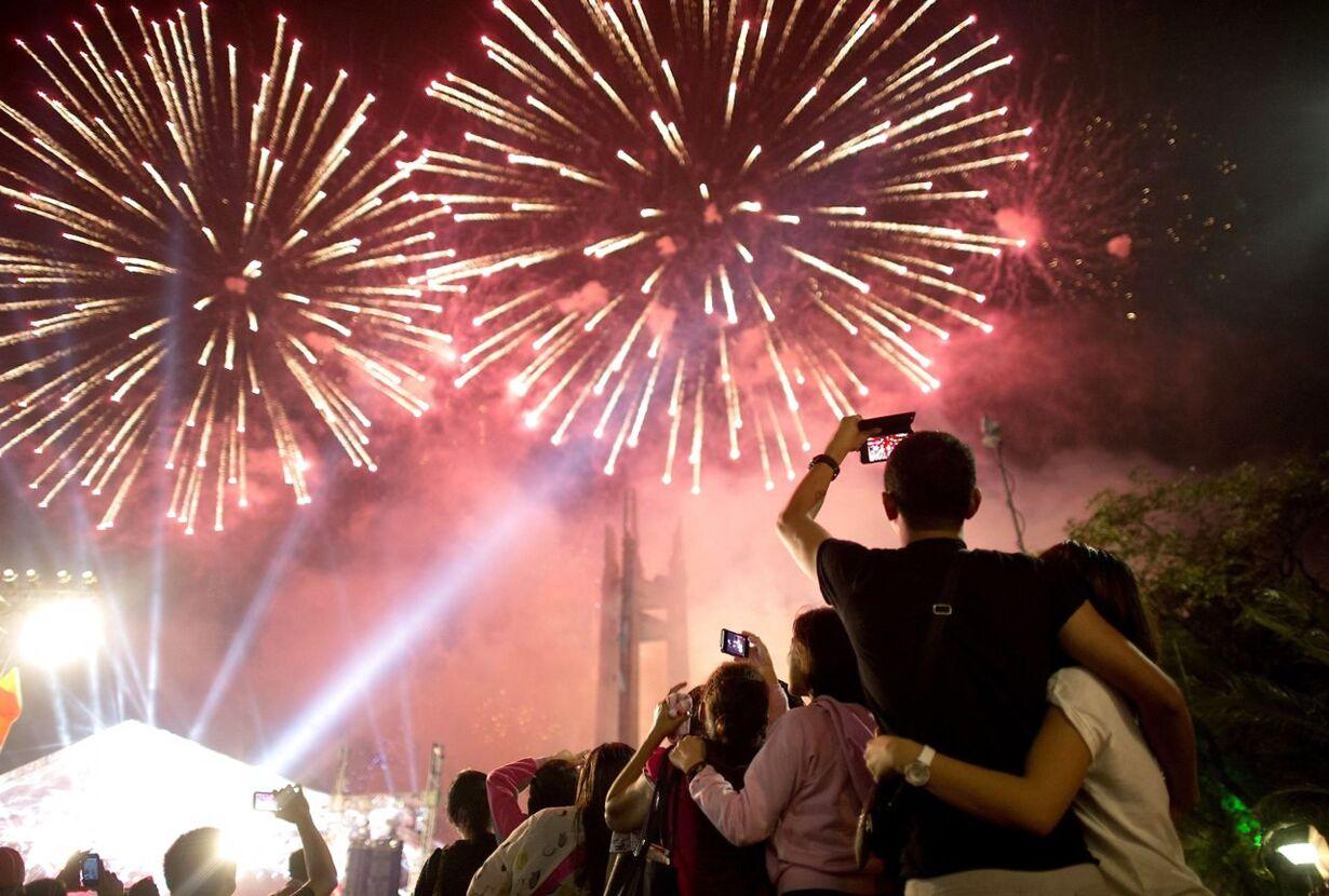 Billedserie: Nytårsaften verden rundt TOPSHOTS-PHILIPPINES-NEW