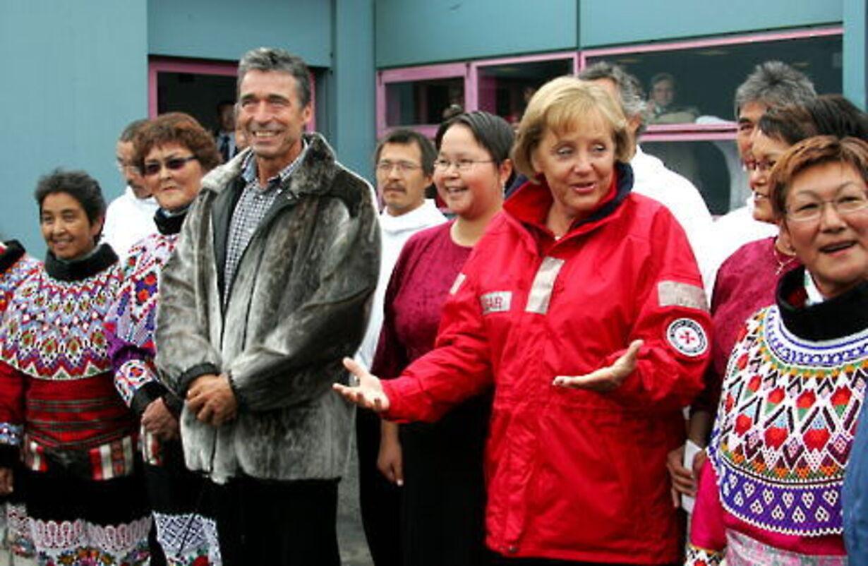 Fogh og Merkel på besøg på Grønland - 2