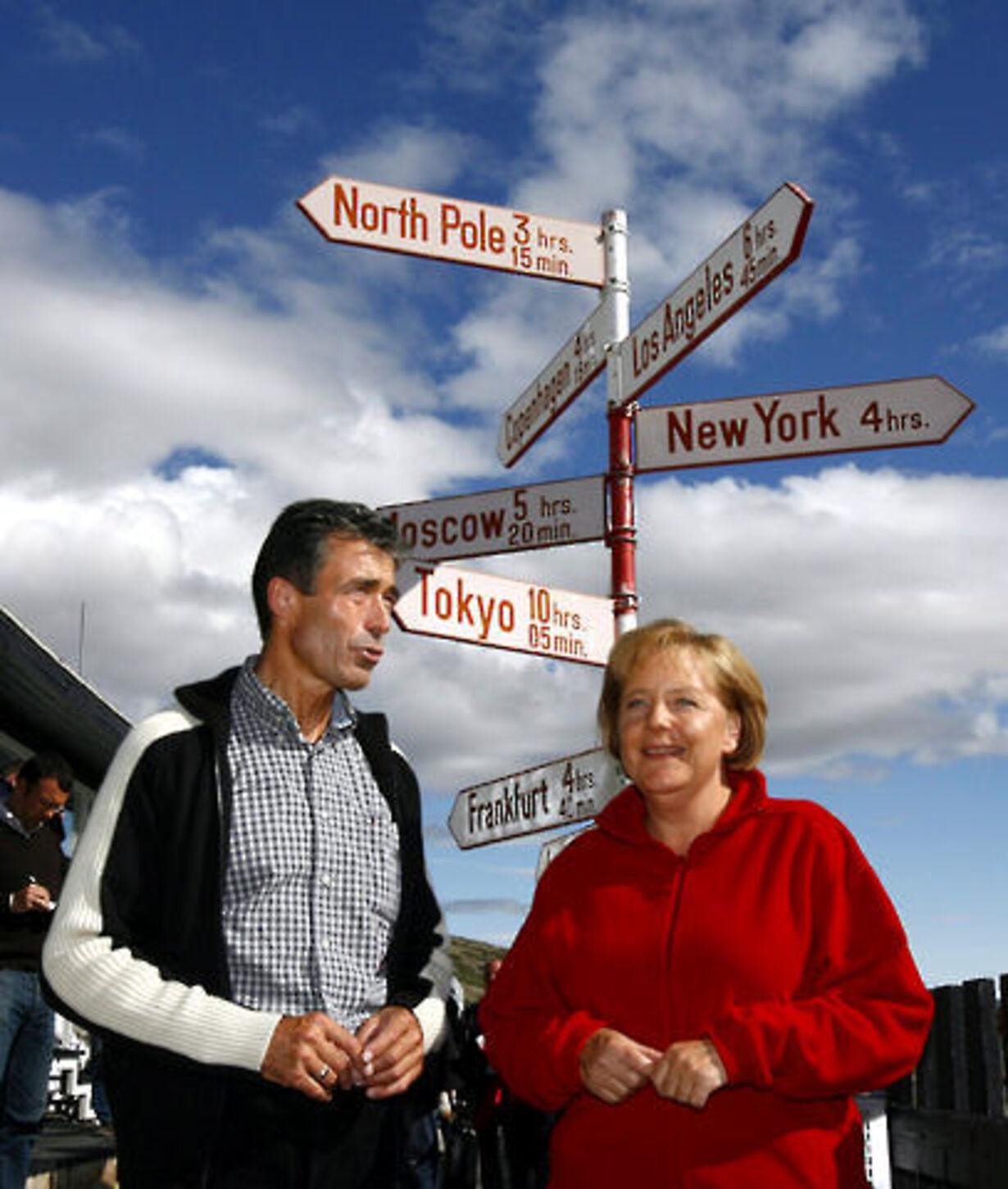 Fogh og Merkel på besøg på Grønland - 3