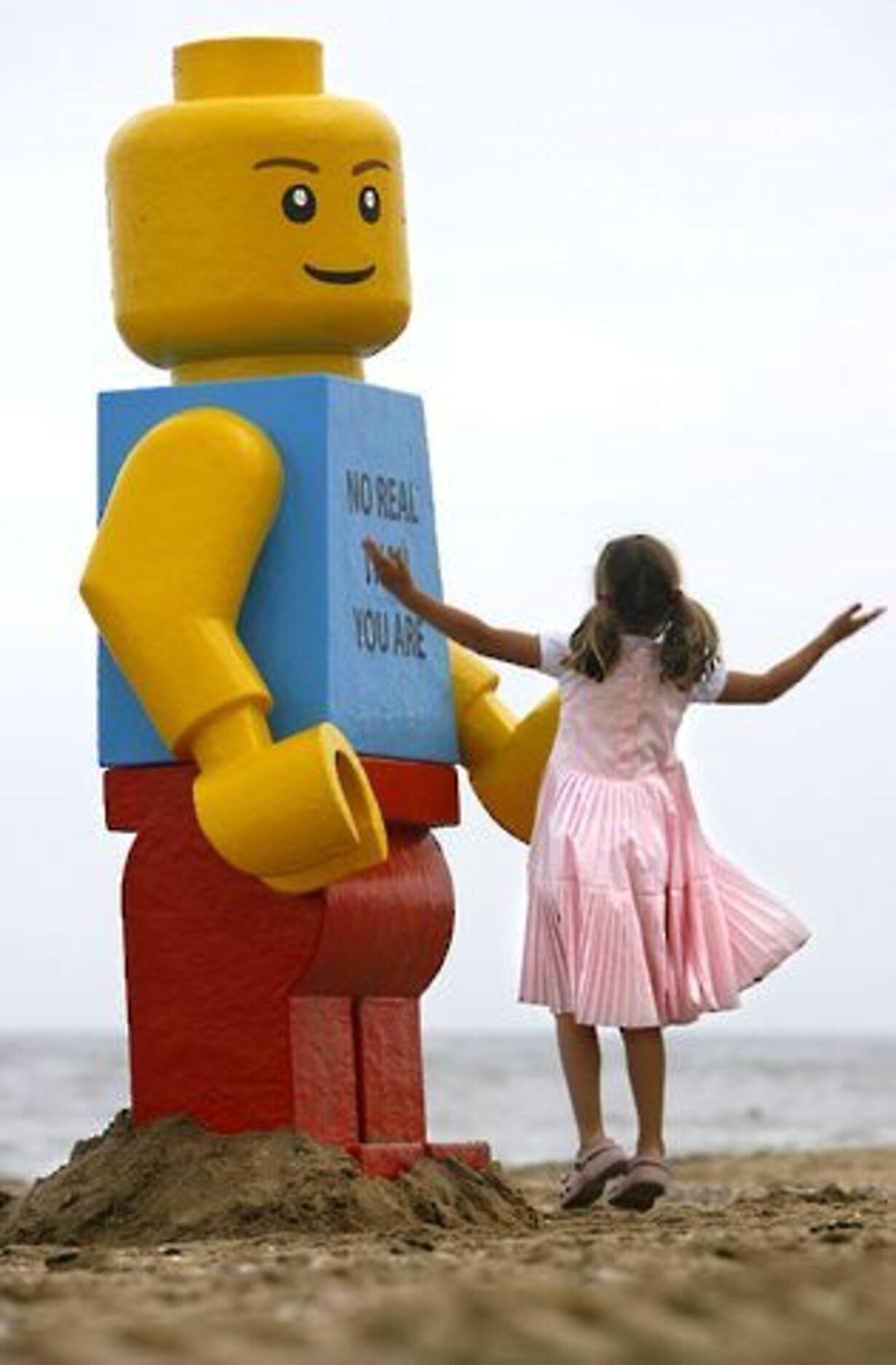 Gigantisk Lego-mand fisket op - 4