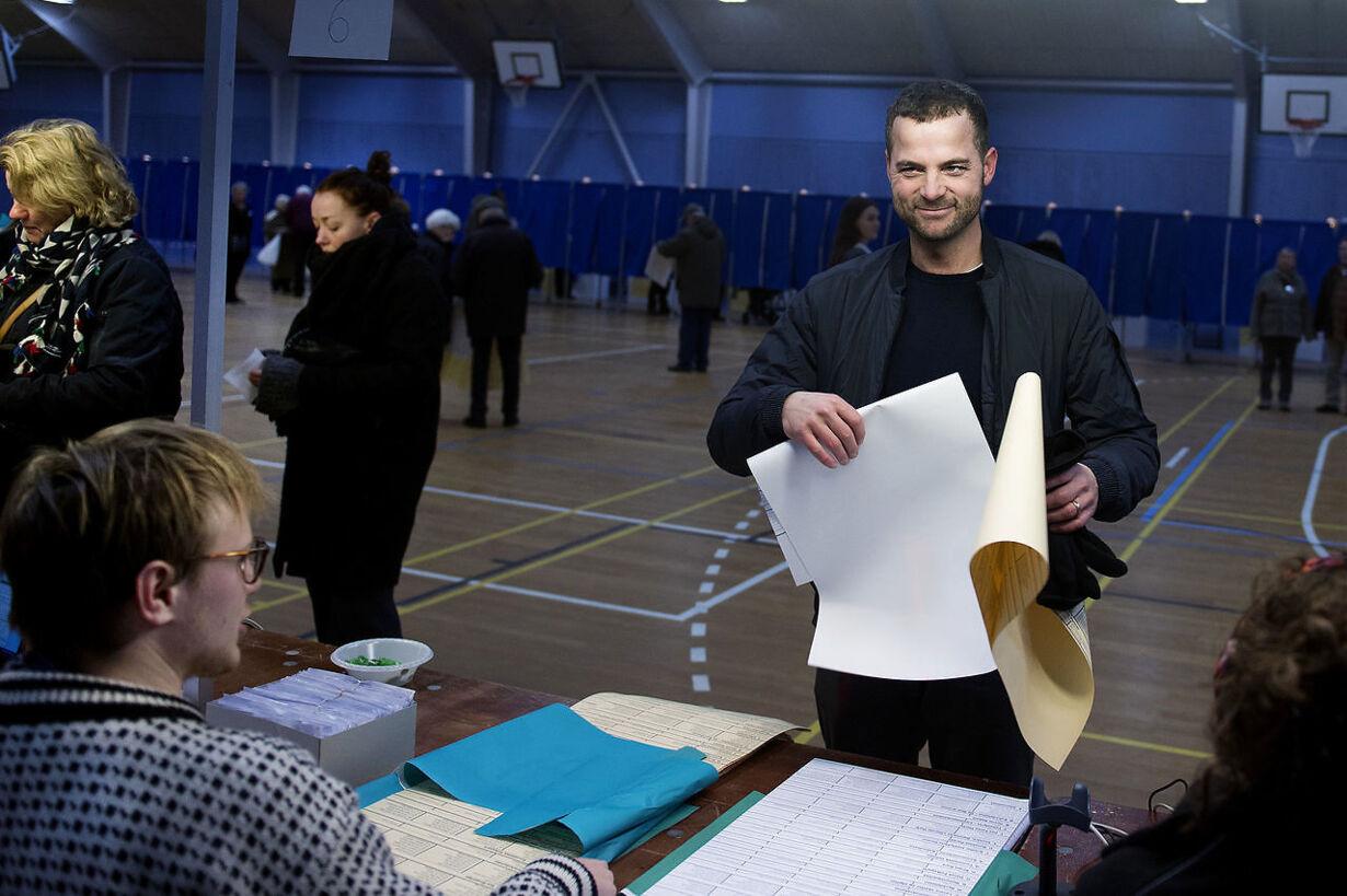KV17 Morten Østergaard stemmer