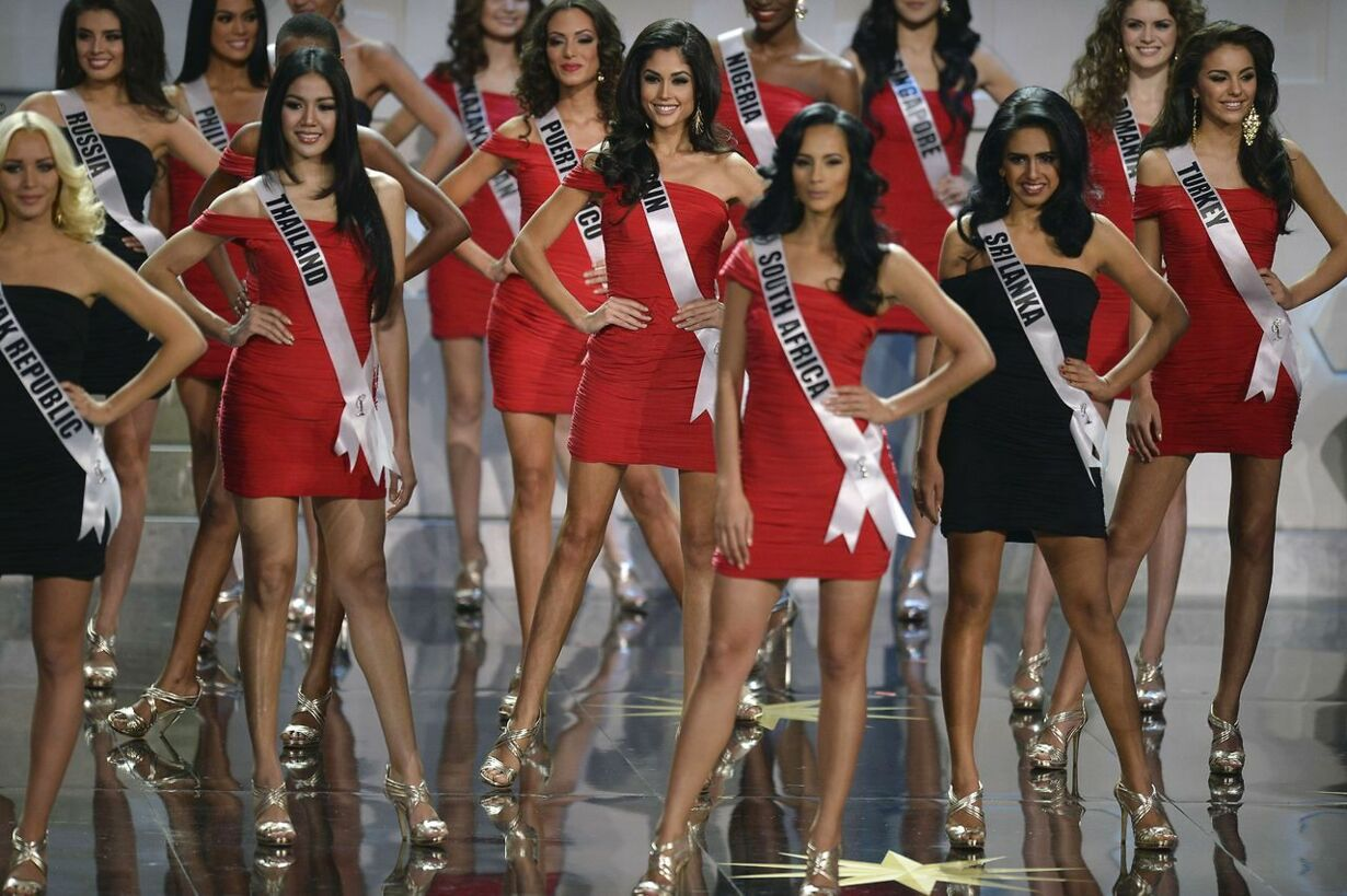 RUSSIA-ENTERTAINMENT-MISS-UNIVERSE