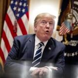 Trump erkender, at Rusland blandede sig i valget. Præsidenten siger, at han udtrykte sig forkert, da han betvivlede konklusionen fra USAs efterretningstjenester.