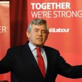 Arkivfoto. I en kirke ude på en hylde af Skotland fortæller den ellers så tilknappede Gordon Brown om sig selv.