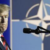 Præsident Trump syntes selv, at det to dage lange NATO-topmøde gik »rigtig godt«. Men hjemme i USA møder hans konfrontatoriske stil hård kritik.