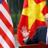 »Vi har med vilje ikke brugt ordet handelskrig om konflikten mellem USA og Kina før nu. Men det, der sker, lever helt bogstaveligt op til definitionen af en handelskrig«, siger chefanalytiker Amy Yuan Zhuang fra Nordea om USA's straftold mod Kina. Kham/Ritzau Scanpix