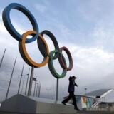 I alt er seks russiske langrendsløbere nu dømt for doping med tilbagevirkende kraft, efter at IOC har genåbnet dopingprøver fra Sotji og testet dem med nutidens forbedrede metoder.