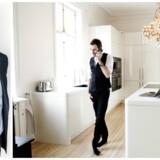 »Som praktisk rådgivningsbog er »All in« en komisk ringe fiasko,« skriver Rune Selsing om Jesper Buchs »All in«. Foto: Thomas Lekfeldt og Linda Kastrup.