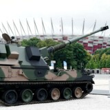 Det polske forsvar viste bl.a. selvkørende 155 mm-kanoner frem under NATO-topmødet i hovedstaden Warszawa. Foto: Rainer Jensen/EPA
