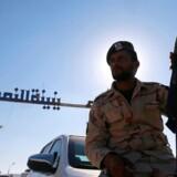 ARKIVFOTO: På billedet en libysk soldat, der støtter Khalifa Haftar. Størstedelen af fredagens døde er soldater, der bakker op om Khalifa Haftar