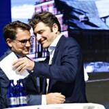 Administrerende direktør og medstifter af Netcompany André Rogaczewski og erhvervsminister Brian Mikkelsen (K) på scenen, da Netcompany blev børsnoteret ved et arrangement i DR Byen i København, torsdag den 7. juni 2018. Foto Ritzau Scanpix/Philip Davali