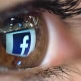 Markant færre teenagere bruger nu Facebook, som kan være glad for at have købt billedtjenesten Instagram, som samler nogle af dem op. Arkivfoto: Christophe Simon, AFP/Scanpix